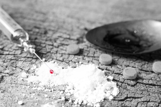 new drug epidemic on college campus Aiming at students: the college gun violence epidemic 2 twelve states experienced more than five shooting incidents on or near college campus—accounting for 64% of the 190 shooting incidents.